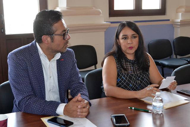 """CEG y DAU lanzan convocatoria del """"XXII Concurso Mujeres en vida""""; esta edición es en homenaje a María Luisa Bombal"""