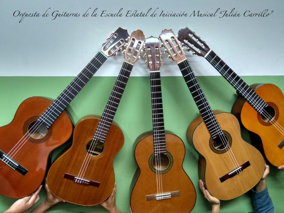 Orquesta de Guitarras en el Barrio de San Sebastián