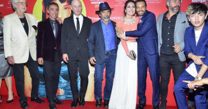 Fernando Rovzar filmará cinta sobre la infancia de su novia Bárbara Mori