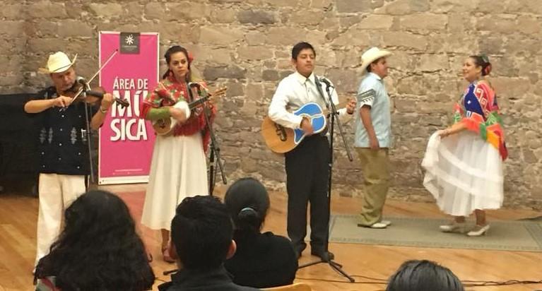Recital de Son Huasteco en el Museo Federico Silva Escultura Contemporánea
