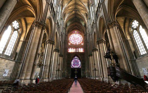 ¿Se debería reconstruir Notre Dame tal y como era? Francia lanza la pregunta