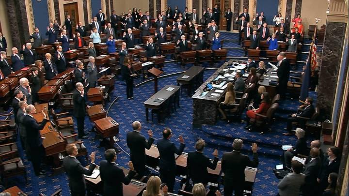 """La Casa Blanca pide al Senado que """"absuelva inmediatamente"""" a Trump"""