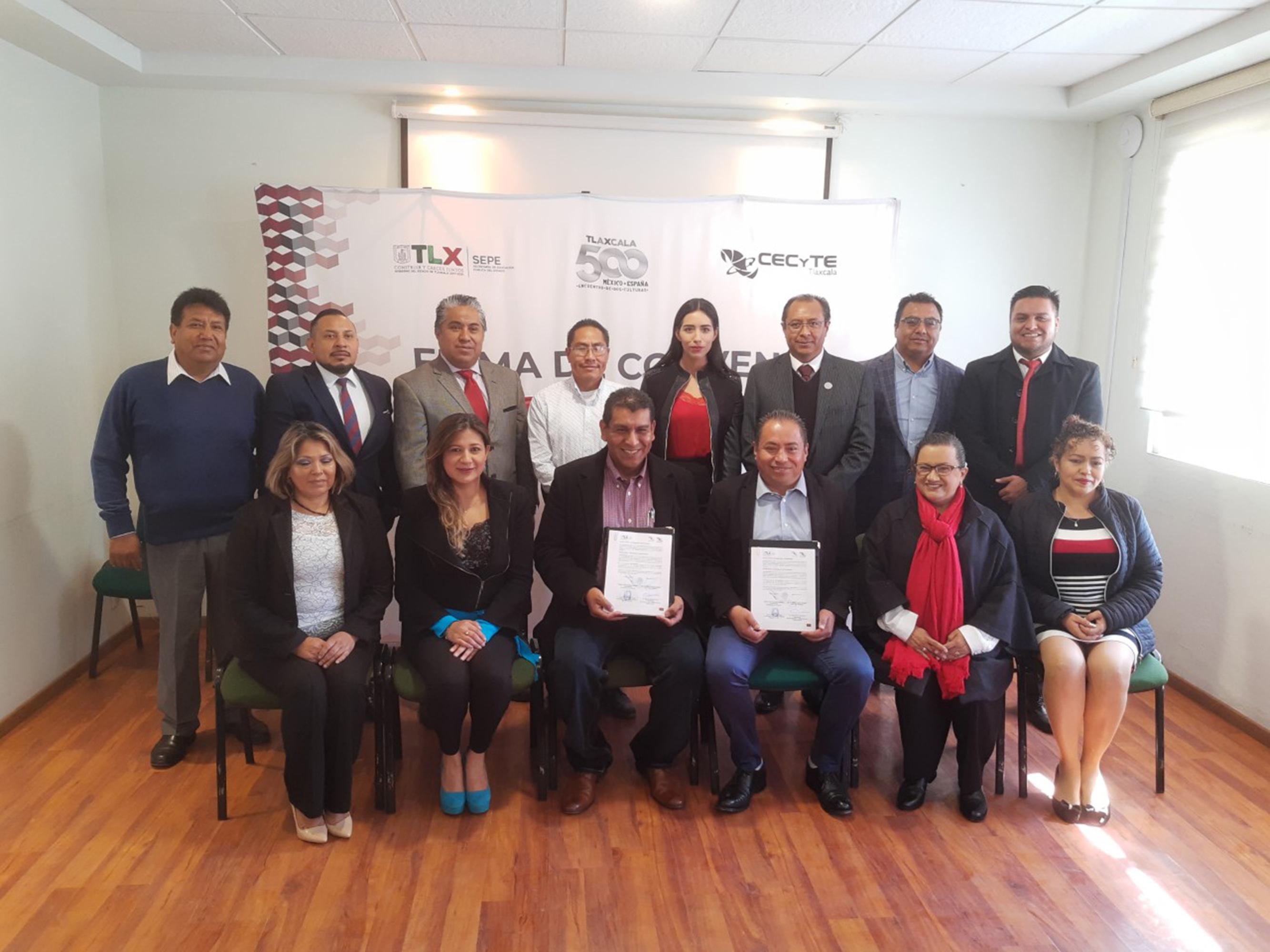 Signan CEPC y CECYTE convenio de colaboración en beneficio de los estudiantes.