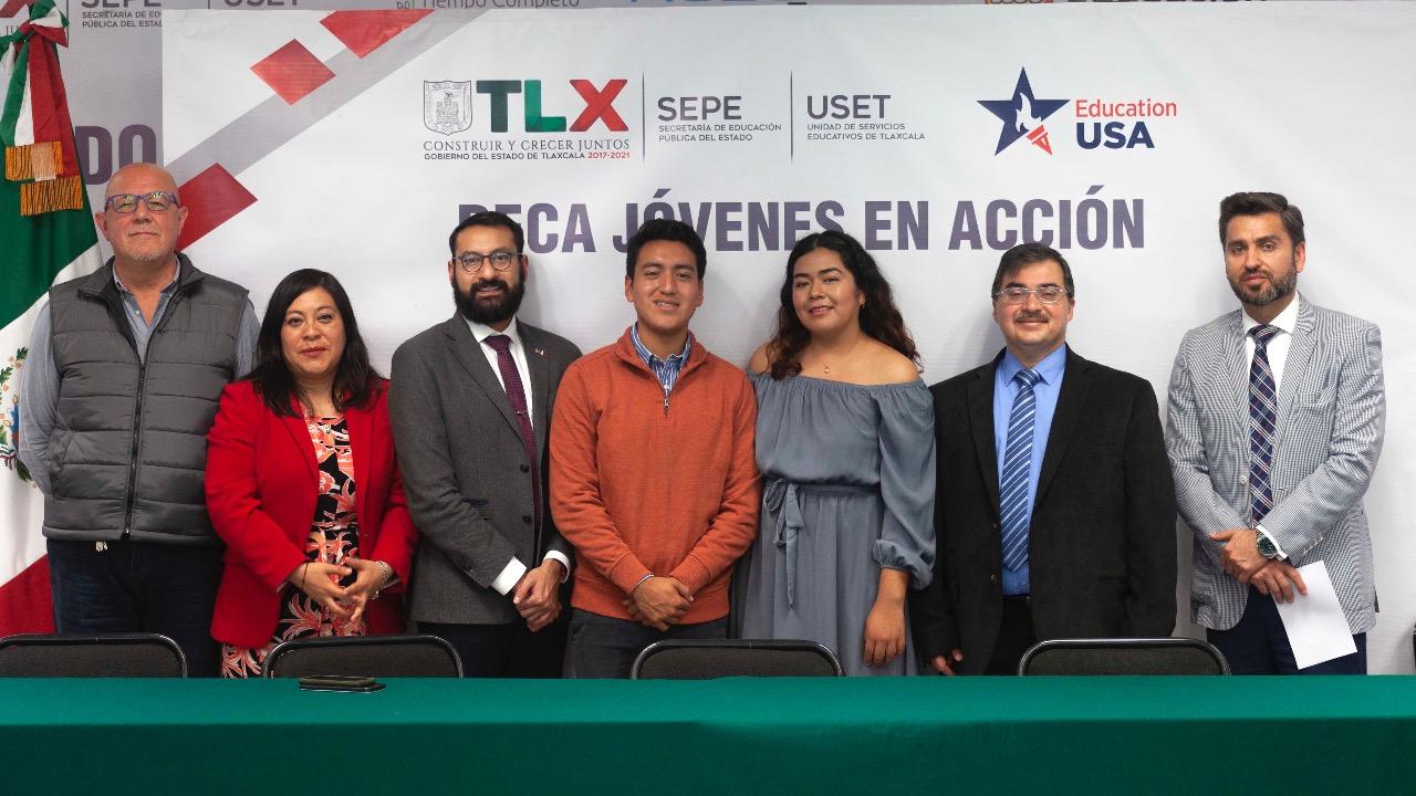 """Presenta SEPEcon la embajada de Estados Unidos programa """" Jovenes en acción""""."""