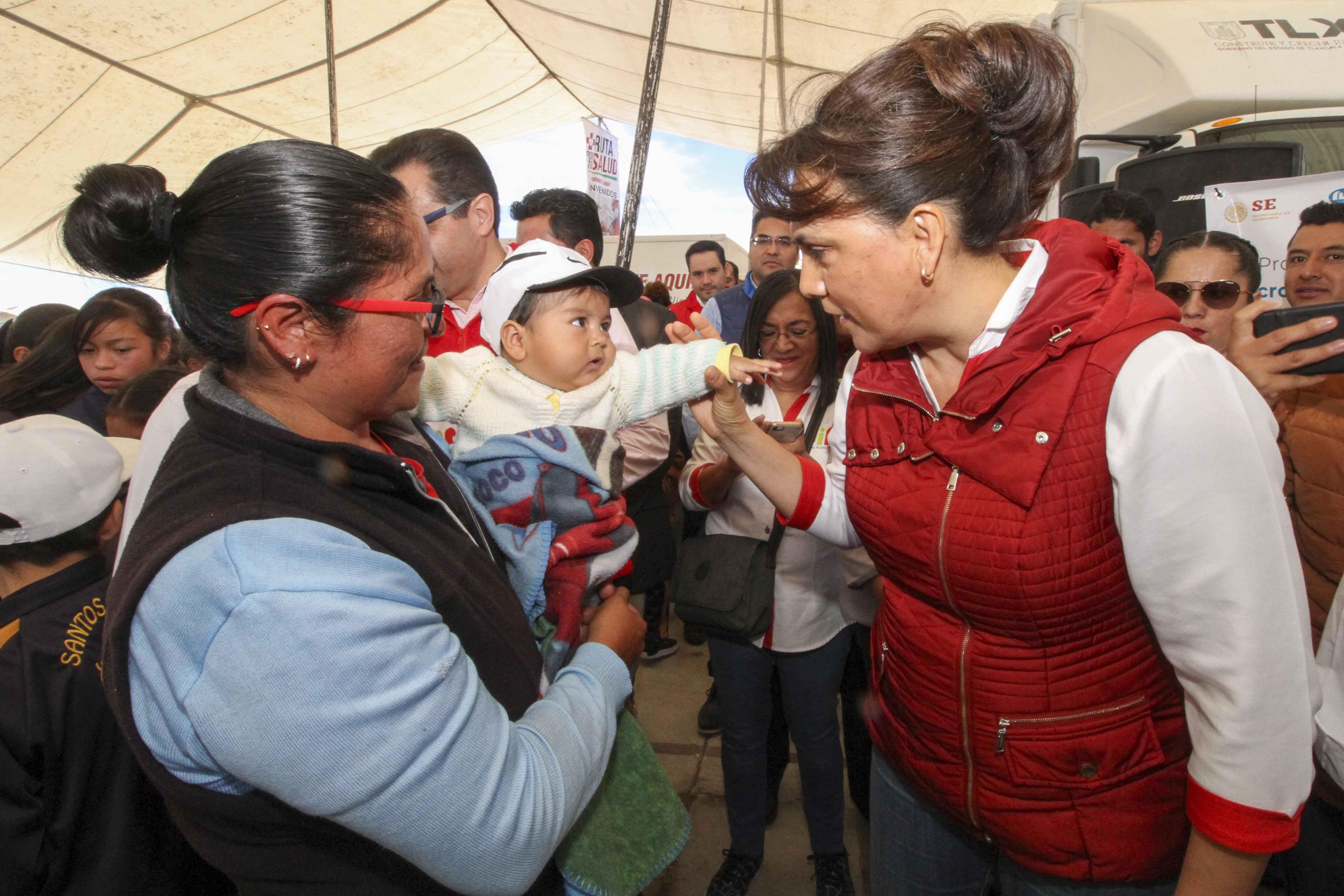 "Encabeza Sandra Chávez ""ruta por tu salud 2020"" en Terrenate."