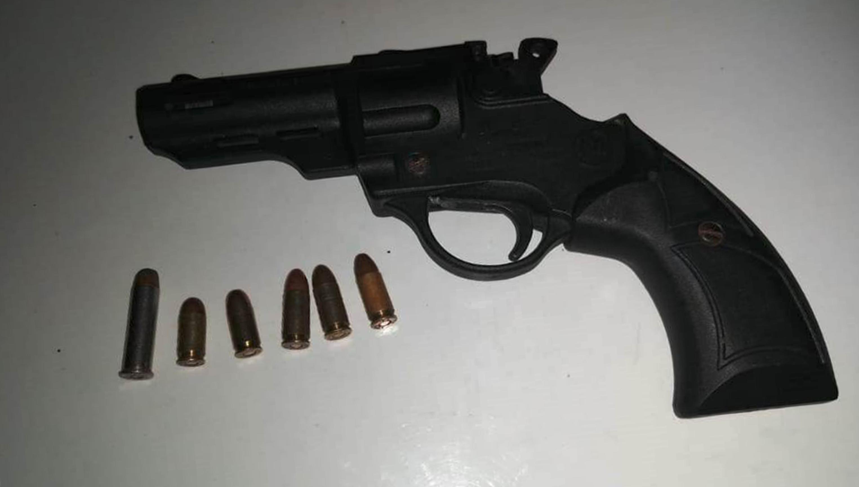 Desde Tlaxcala: Policía Estatal detiene en Calpulalpan a un sujeto con un arma de fuego