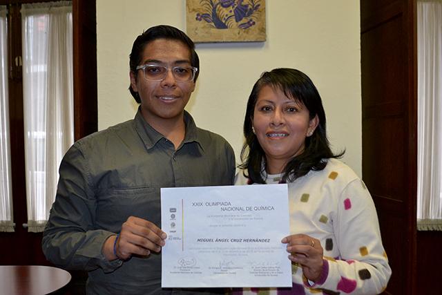 Estudiante de la prepa Benito Juárez gana segundo lugar en la XXIX Olimpiada Nacional de Química