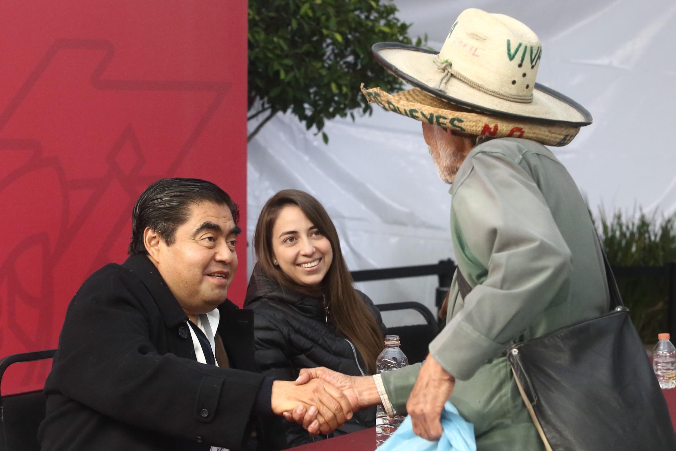 Atiende gobernador Miguel Barbosa más peticiones en Jornada de Atención Ciudadana