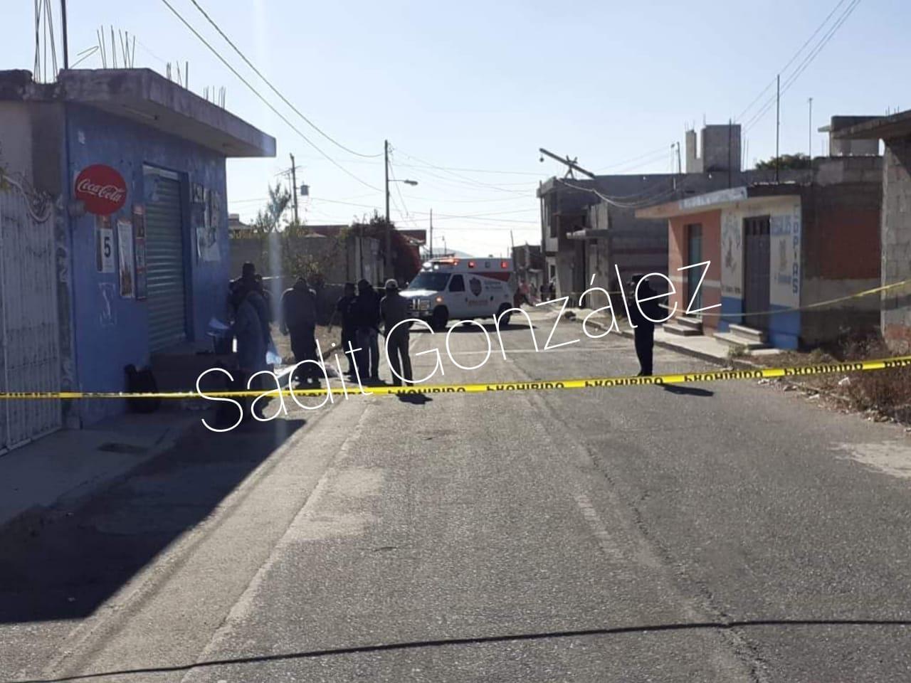 Arrojan cuerpo de masculino en calles céntricas de Tepatlaxco de Hidalgo