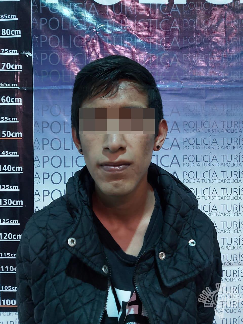 Policía turística detiene a presuntos ladrones