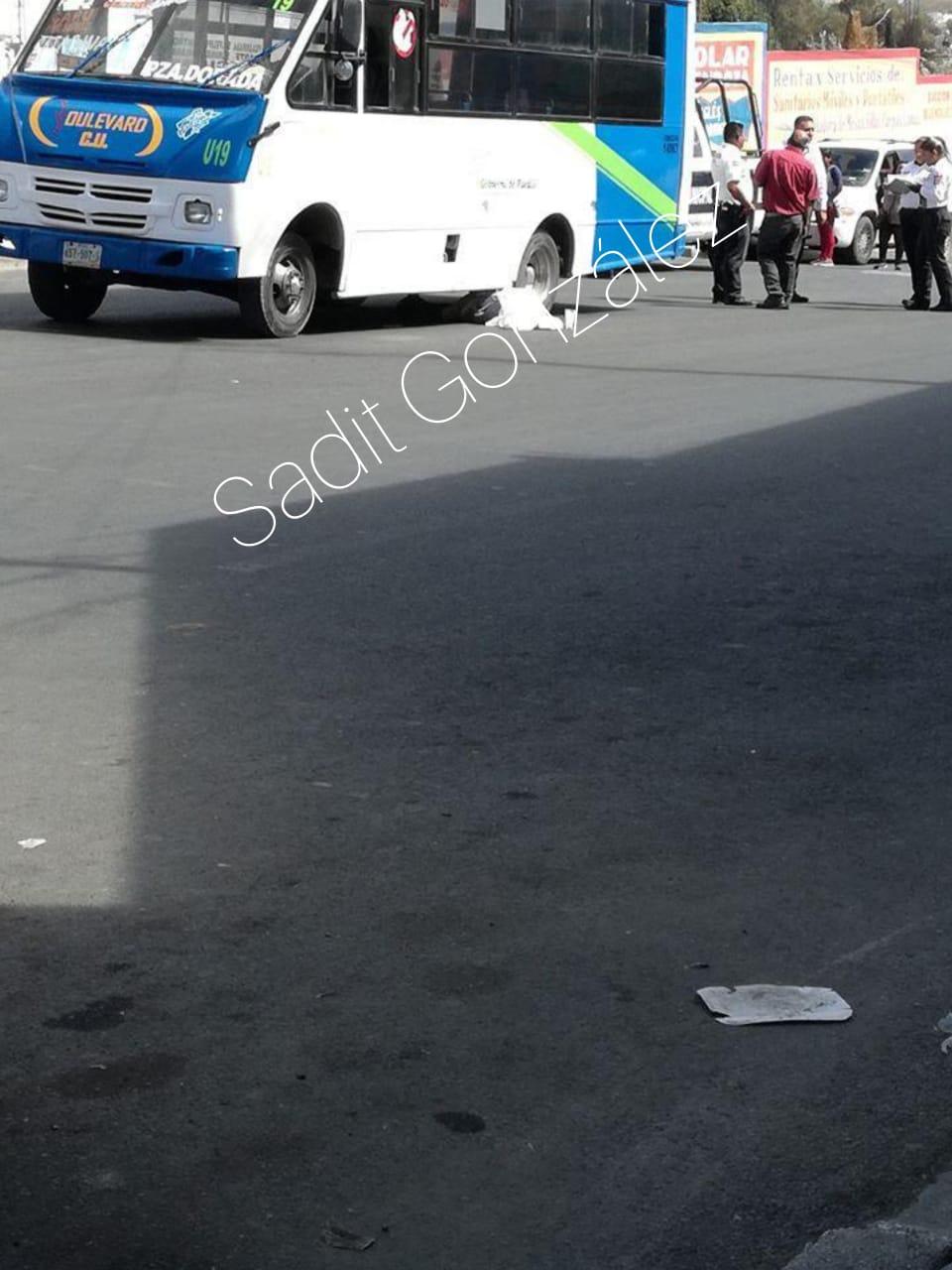 Unidad de transporte público atropella y mata a una ancianita en San Francisco Totimehuacán