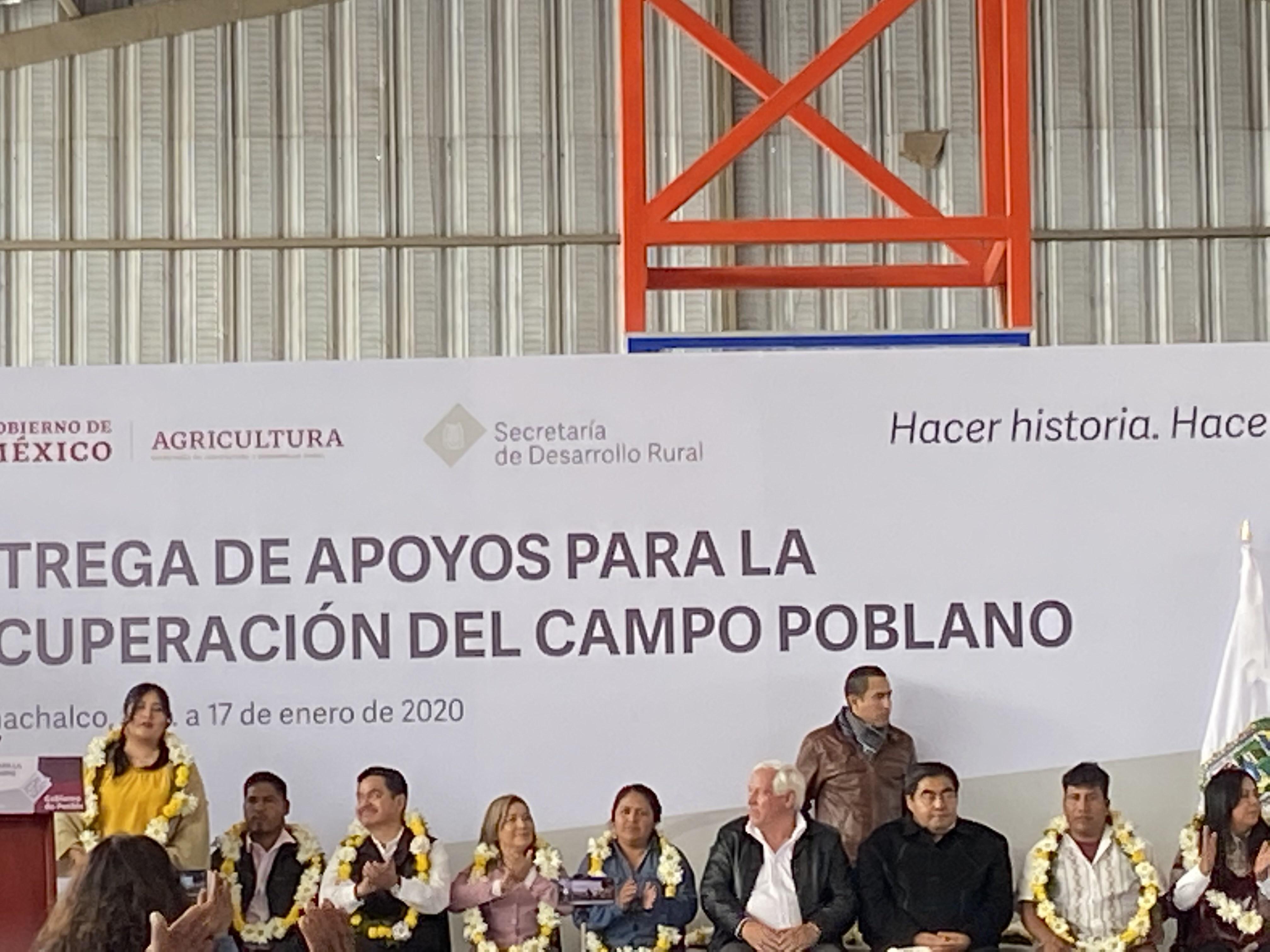 Gobernador Barbosa entregó apoyos por 121 mdp a productores poblanos