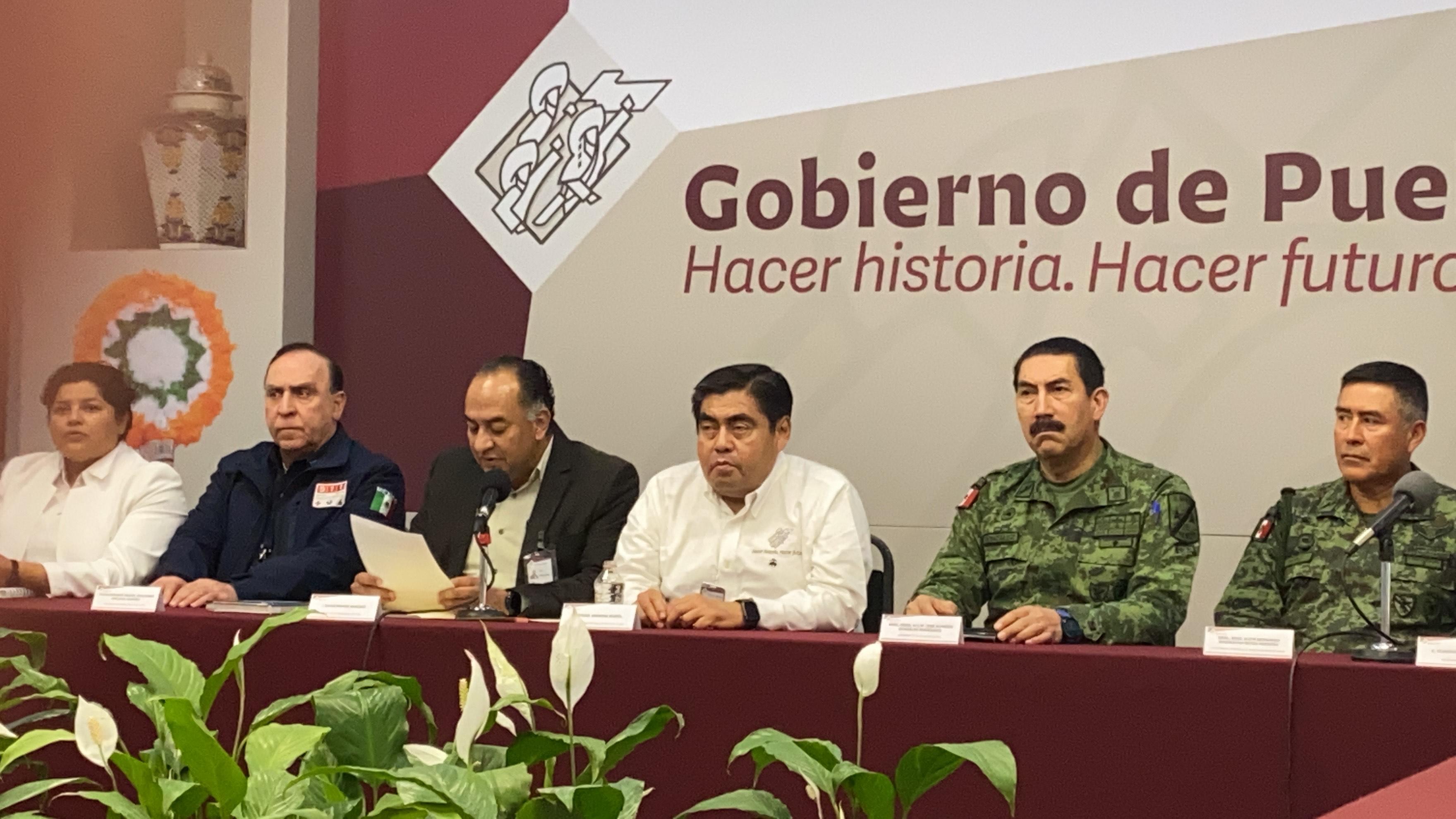 Gobernador Barbosa firma convenio de seguridad con ediles de la zona metropolitana