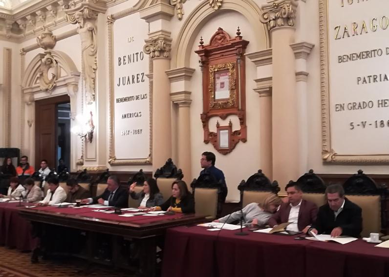 Regidores detienen pago del ayuntamiento de Puebla a la CFE