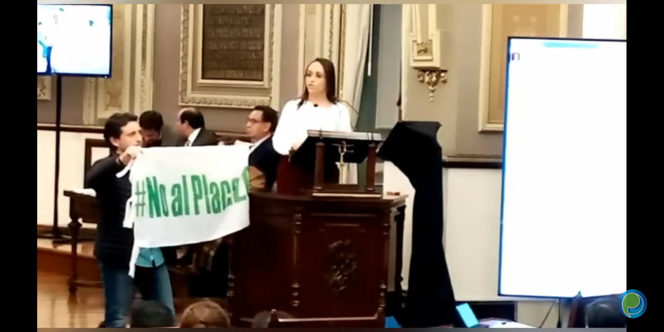Comparece en el congreso Lizbeth Sánchez, secretaria de Bienestar