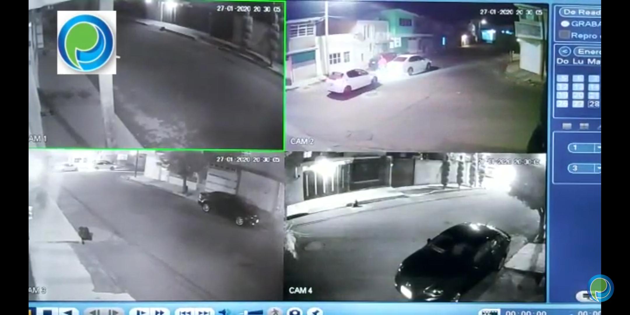 Sujetos roban vehículo a mujer en la colonia Satélite Magisterial