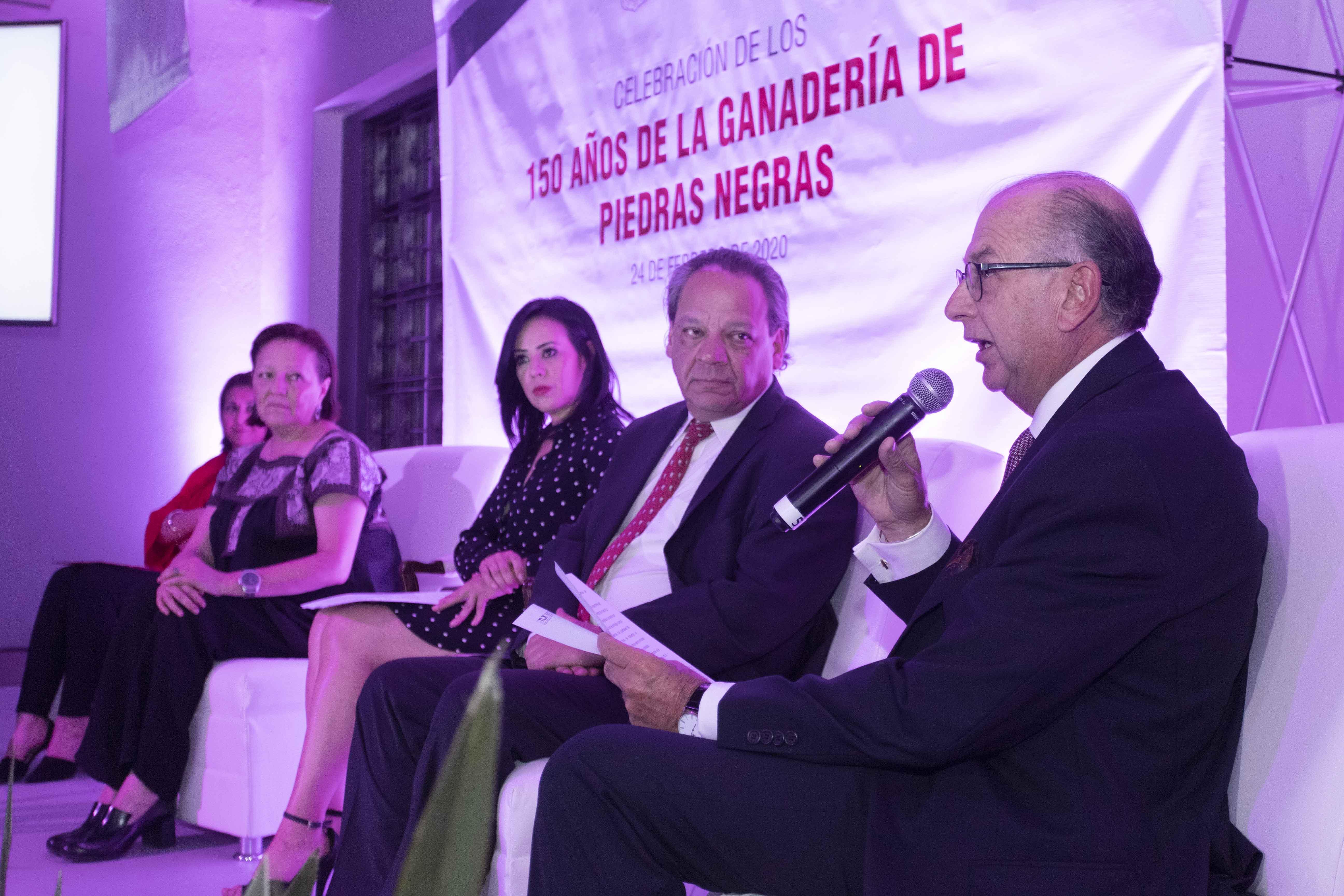 Desde Tlaxcala: Presentan programa del 150 aniversario de la Ganadería de Piedras Negras