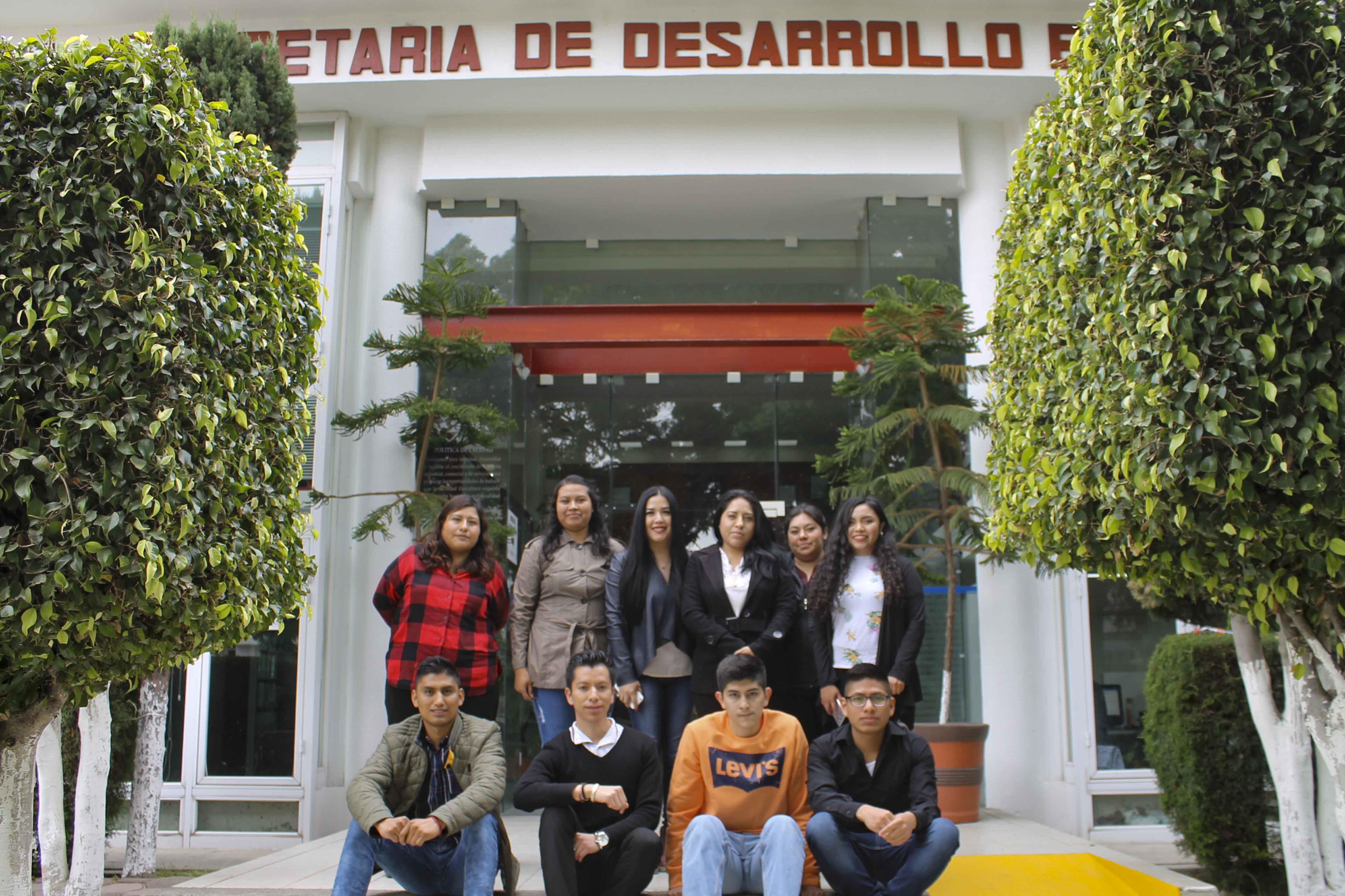 Entrega SEDECO certificados a jóvenes que concluyeron su capacitación laboral.