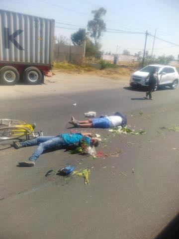 Atropellan a dos ciclistas en la carretera federal México-Puebla a la altura de Texmelucan