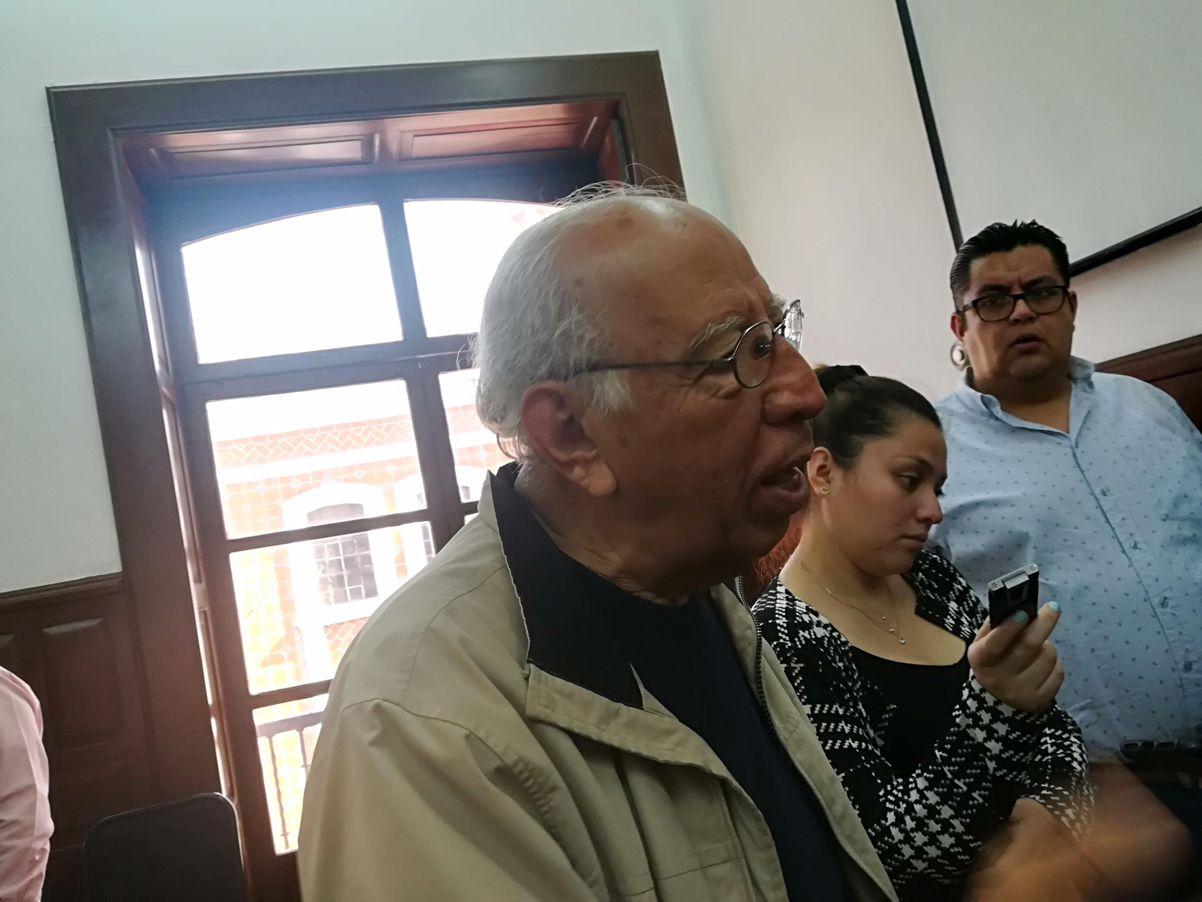Puede frenarse la instalación de bolardos, admitió el regidor Chávez Palma