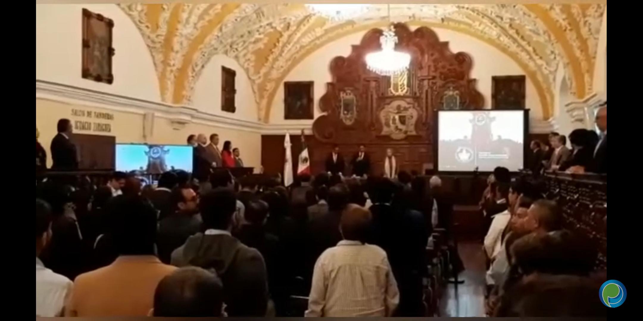Rector Alfonso Esparza tomó protesta a la nueva Secretaria General Guadalupe Grajales