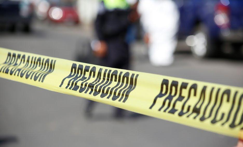 En Tecamachalco hallan baleado el cadáver de un hombre