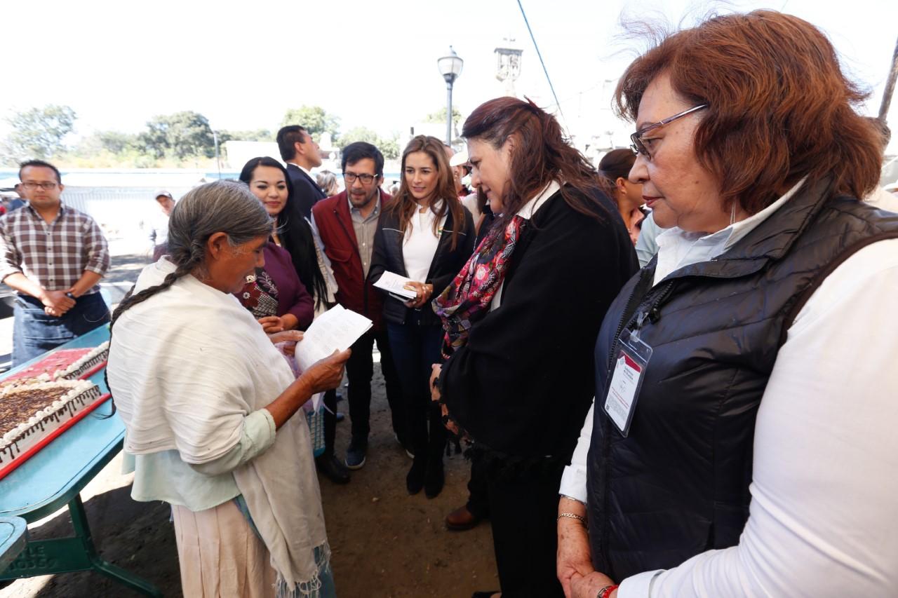Agradece Doña Esther a SEDIF por atender necesidades de pueblos indígenas