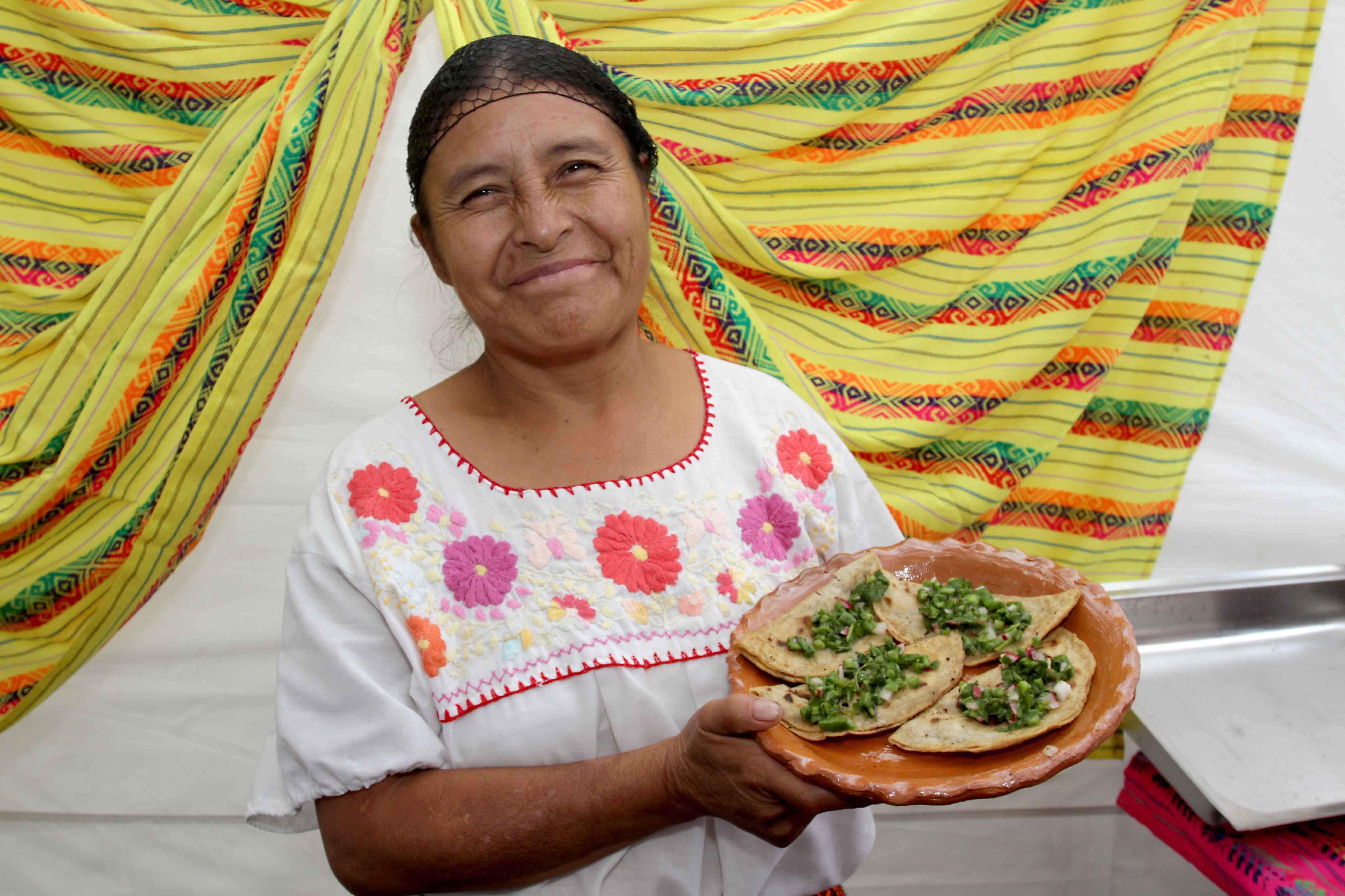 """Reconoce Secture riqueza gastronómica del estado en el """"Día de la Cocina Tlaxcalteca"""""""