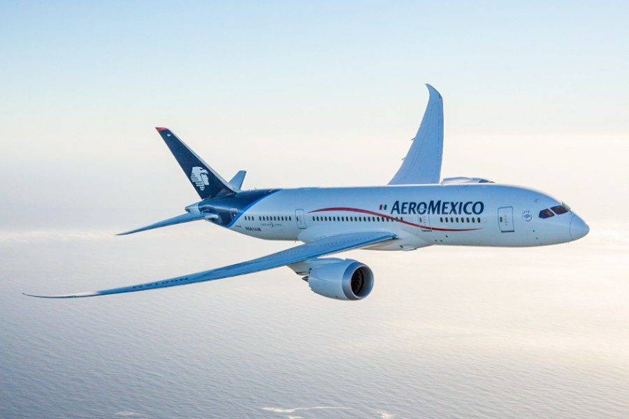 Aeroméxico aclara que mantiene vuelos a Europa y sólo redujo el número