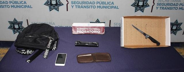 Detuvieron fuerzas municipales de Puebla a pareja por robo en agravio de un taxista