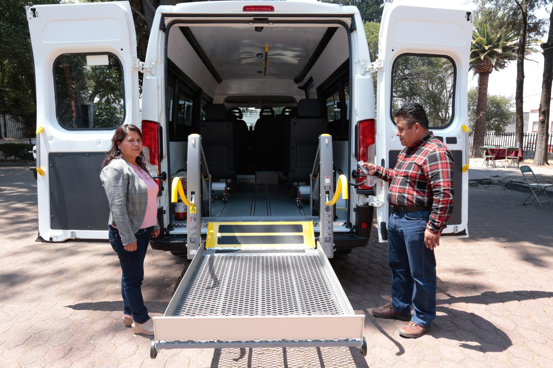 Mejora SEDIF traslado de personas con discapacidad de Xochitlán de Vicente Suárez