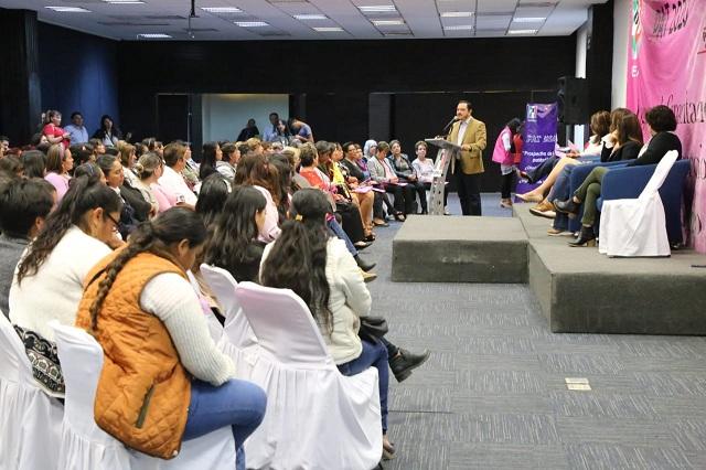 """Capacita  ONMPRI  a mujeres priistas con el tema """"Prospectiva de la paridad de género"""""""
