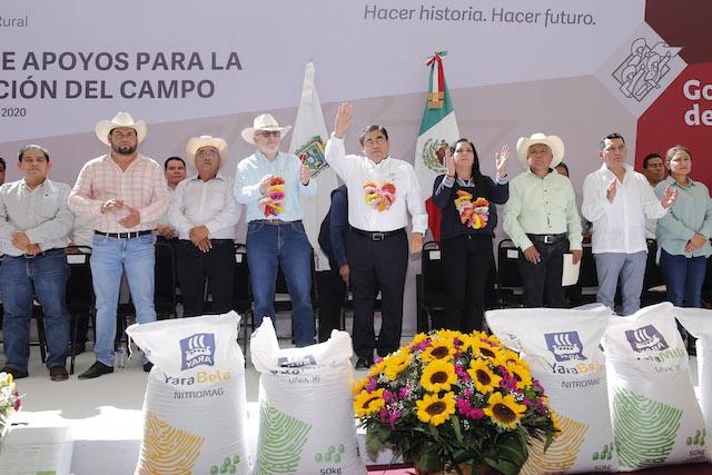 Entrega gobernador Miguel Barbosa 5 mil 841 apoyos al campo poblano por un monto de 40 mdp