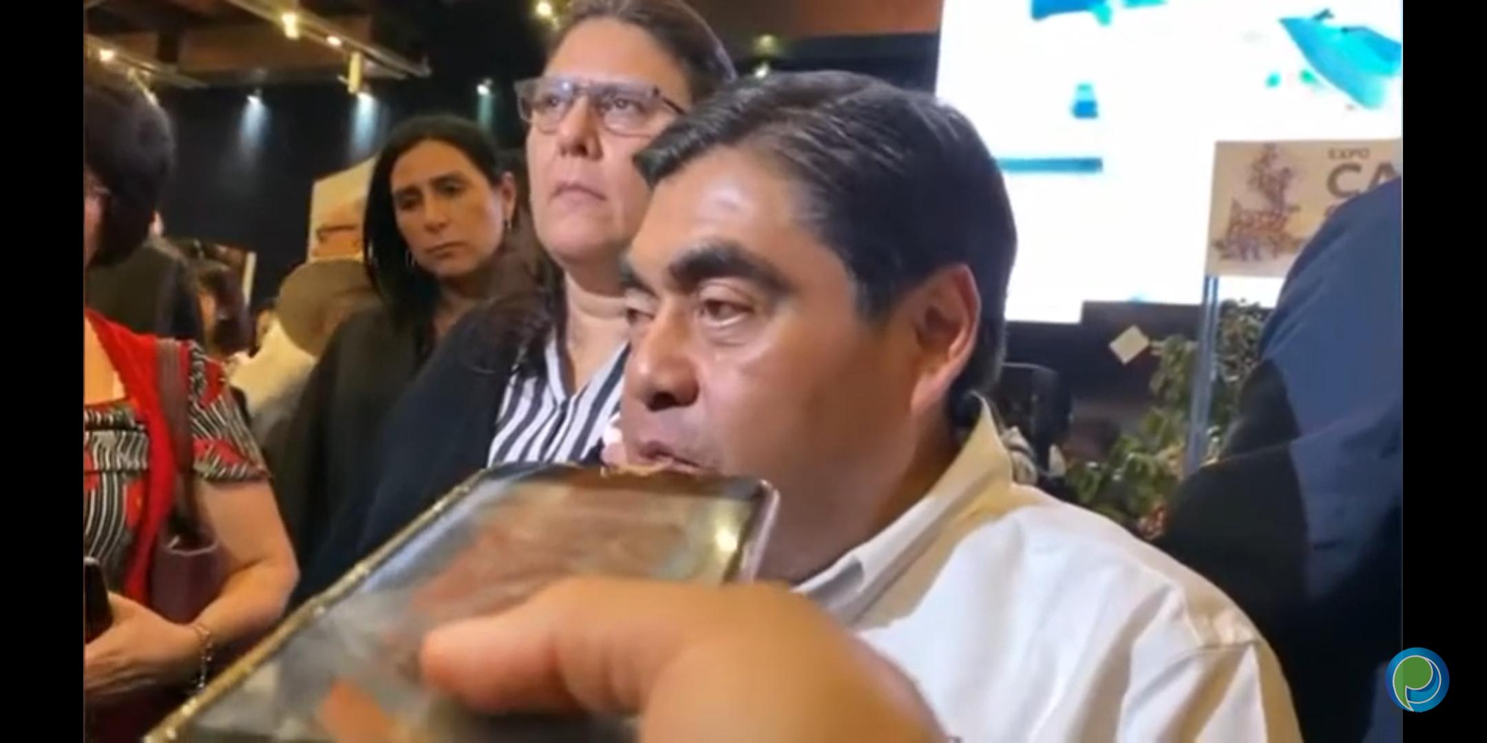 El gobernador Barbosa indicó que se tomarán previsiones por el Coronavirus, sin detener a Puebla