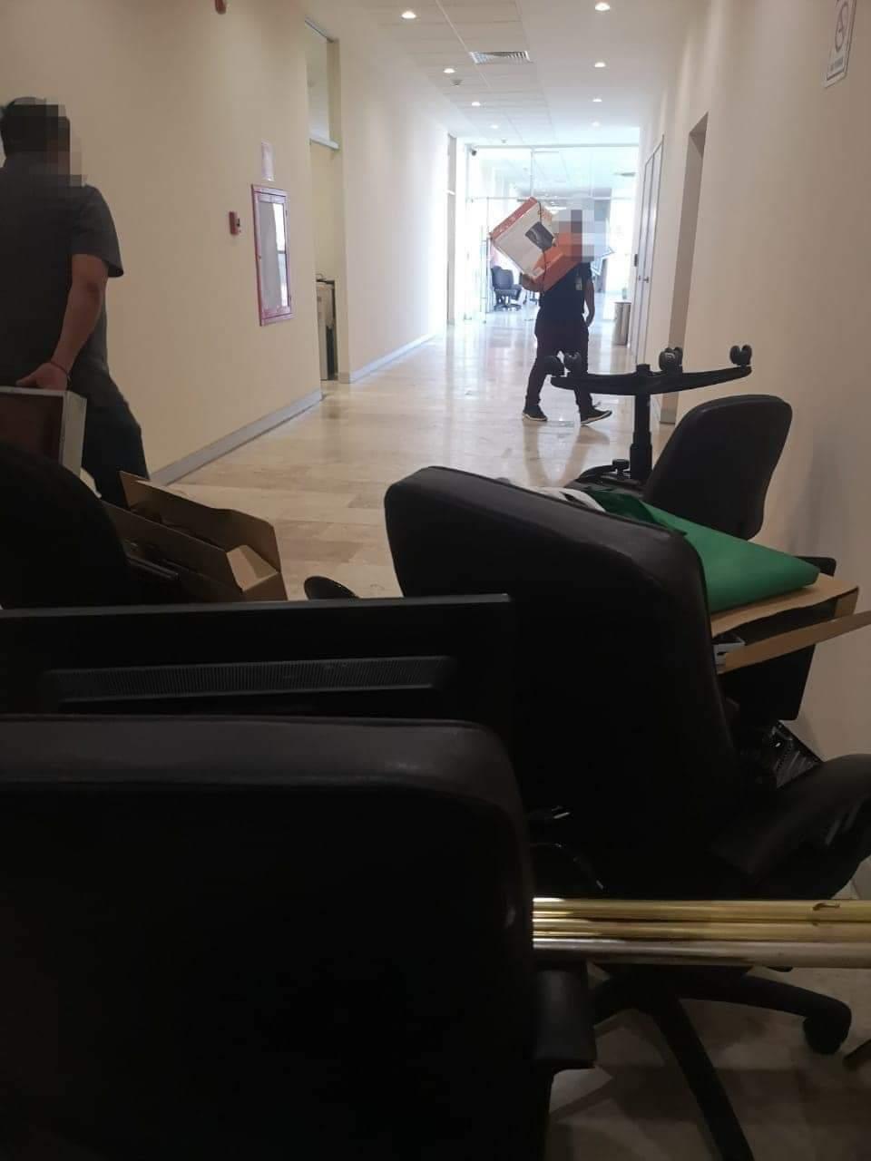 En estos momentos dentro del C5 se rumora que personal de Secretaría de Seguridad Ciudadana municipal está siendo desalojado por policías estatales
