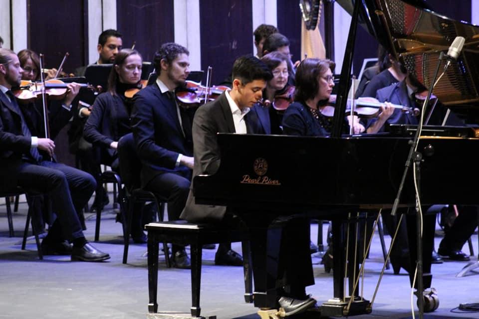 Jóvenes solistas comparten escenario con la OSSLP en los conciertos por tv abierta de este fin de semana