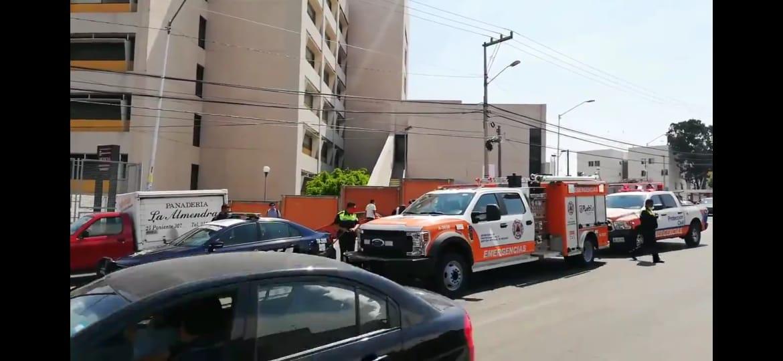 Video desde Puebla: ¡Lo que faltaba!…por olor a gas tienen que desalojar el hospital IMSS Margarita