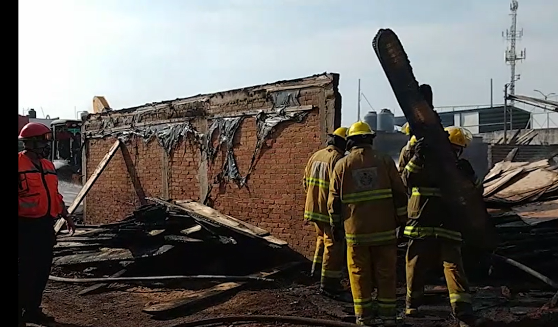 Protección Civil de San Andrés Cholula ayuda a su similar de San Pedro a sofocar incendio