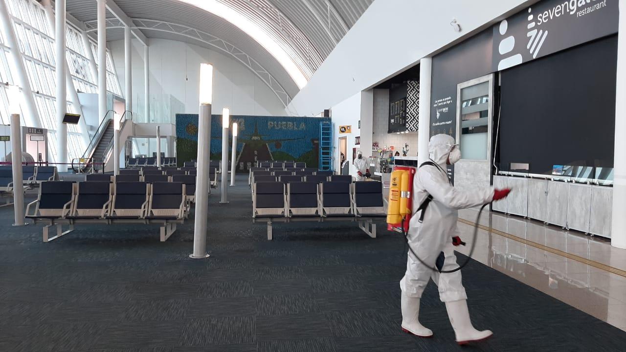 """Aeropuerto Internacional de Puebla """"Hermanos Serdán"""" maneja medidas sanitarias y preventivas de la contingencia nacional COVID-19"""