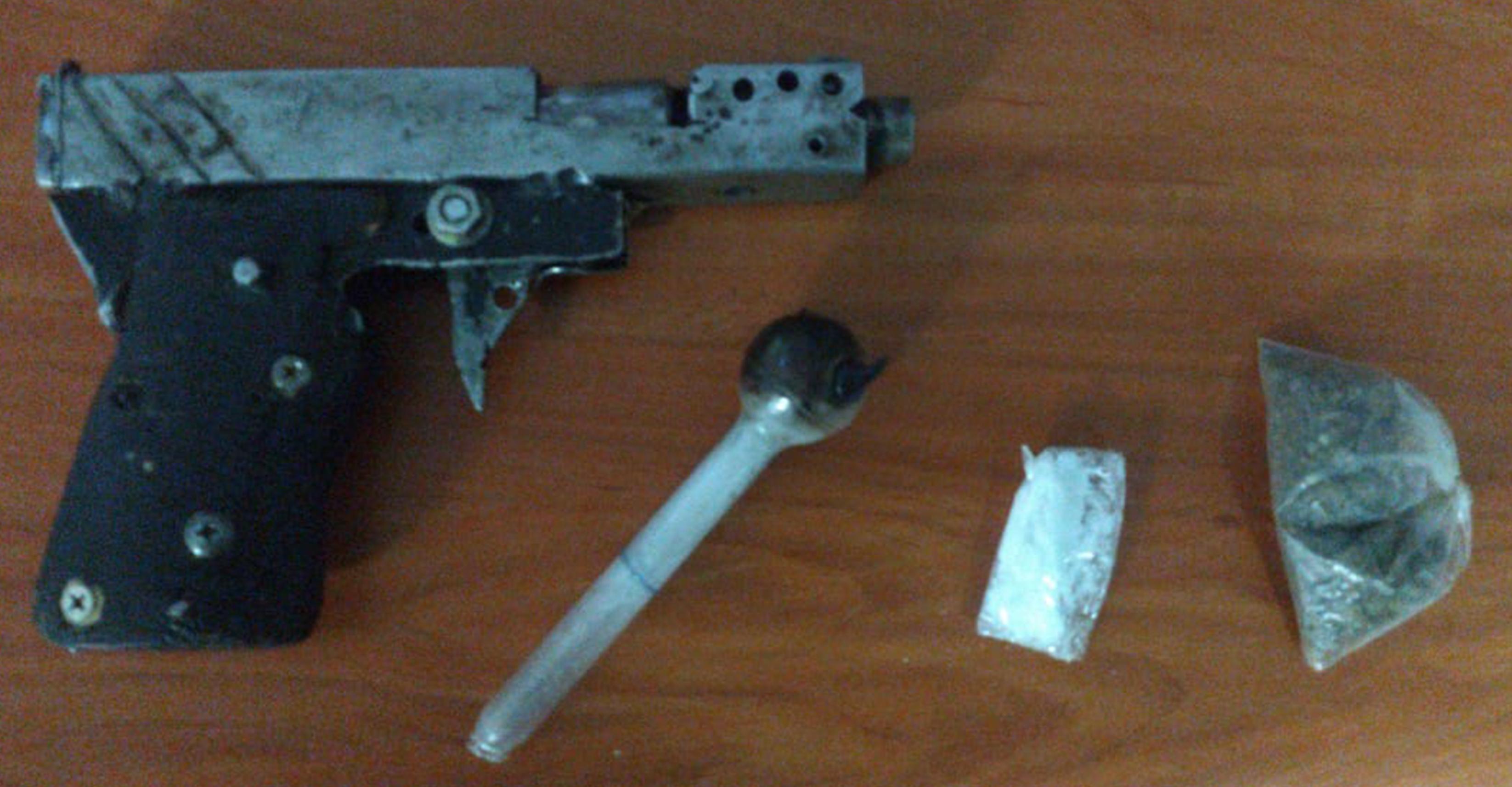 La SSC detiene en Apizaco a una persona con arma de fuego y droga