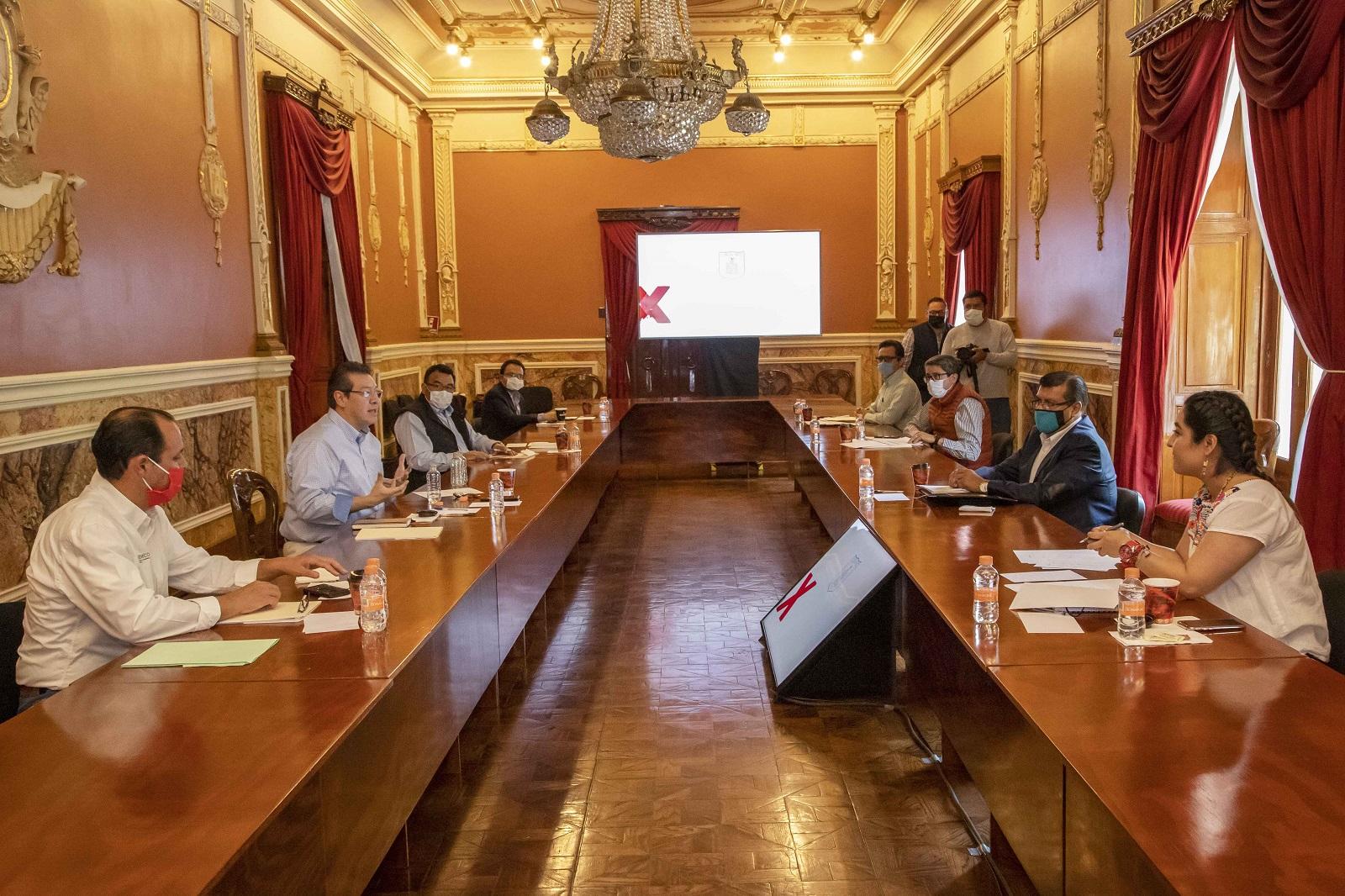 Revisa Marco Mena avance de programas estatales de créditos de emergencia por Covid-19.