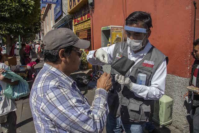Gobierno de Tlaxcala refuerza filtros sanitarios en tianguis de la entidad