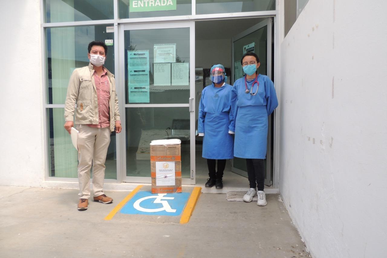 Entrega de apoyos a centros locales de salud