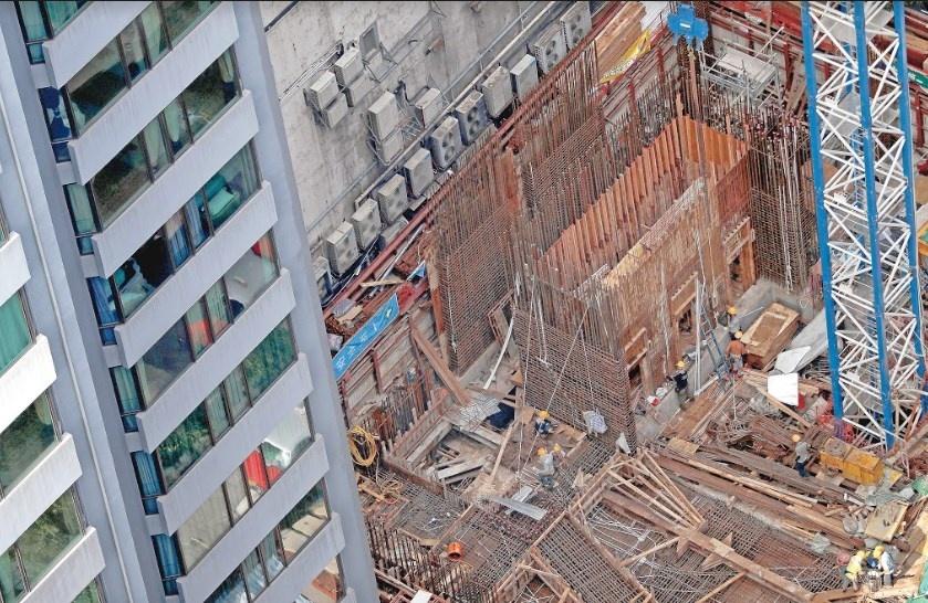 El valor de la producción generado por las empresas constructoras registró un descenso en términos reales de (-)2%