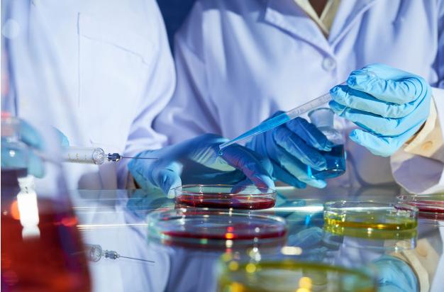 Llega a México el primer biocomparable oncológico de Pfizer