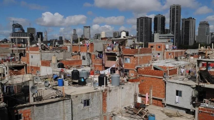 La pobreza en Argentina puede aumentar del 35,6% al 40,2% debido al COVID-19