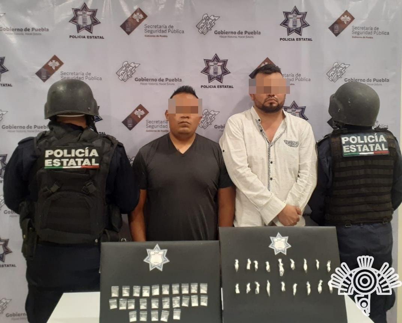 Policía estatal detiene a presuntos narcomenudistas en Tehuacán