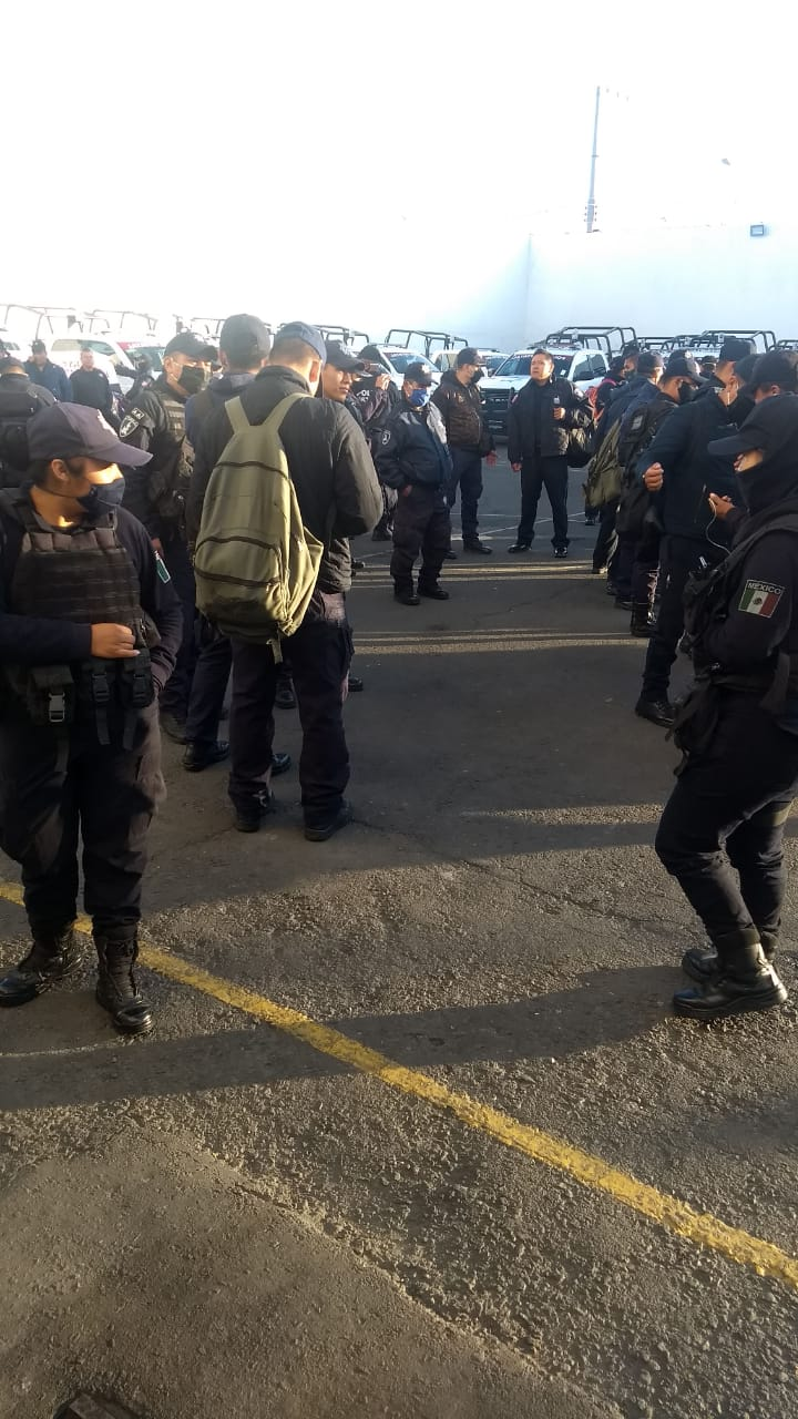 Video desde Puebla: Reportan paro de labores de la policía estatal