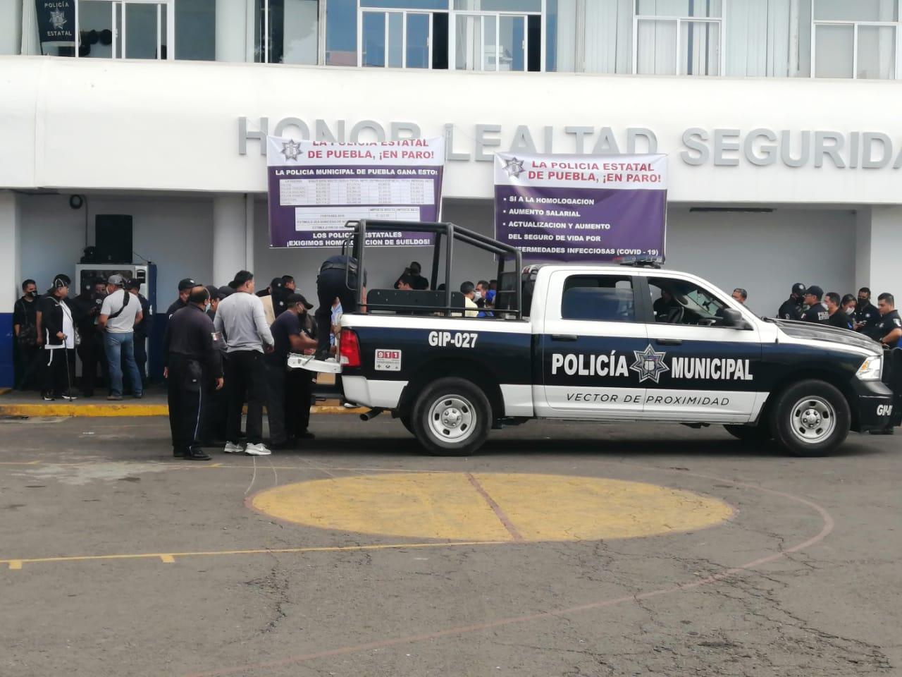 Video desde Puebla: Gobierno estatal denuncia manipulación externa en la protesta de policías