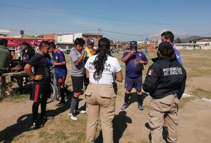 Siguen los partidos de fútbol en San Pedro Cholula a pesar del Covid19